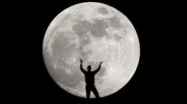 Ay sanıldığından daha büyükmüş