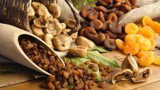 Zayıflarken Kuru Meyve Yemeli Miyiz?