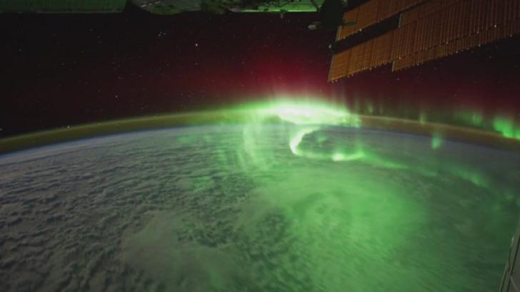 Dünya Ve Jüpiter'deki Auroralar