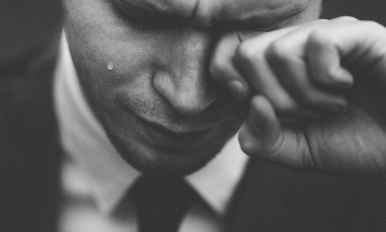 insan neden ağlar