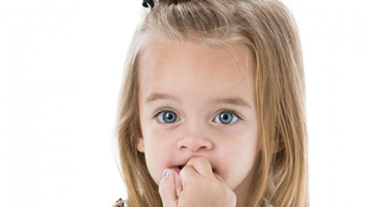 Çocuklarda Tırnak Yeme